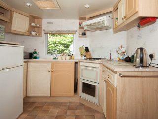Caravan 1 - Kitchen