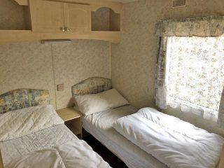 Caravan 1 - Bedroom 2