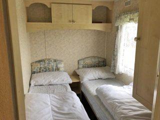 Caravan 1 - Bedroom 3